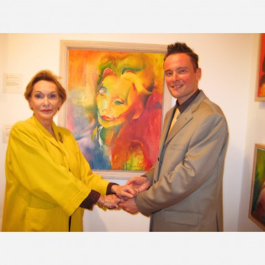 Actress Sian Phillips with her portrait & Stephen B. Whatley in 2007